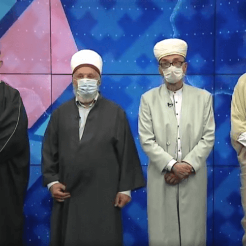 Духовные лидеры призвали мусульман воздержаться многолюдных праздничных молитв в честь Курбан-Байрам